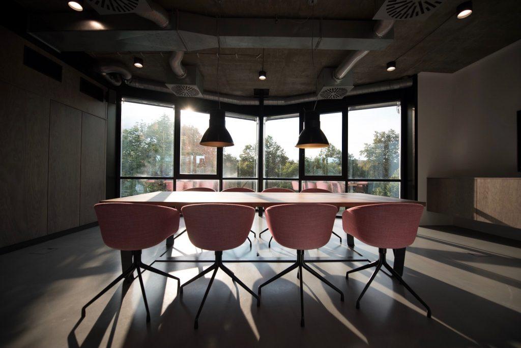 sala de reuniones reforma de oficina